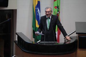 Deputado Silvio Dreveck apresenta Moção encaminhada ao STF na tribuna da Assembleia Legislativa