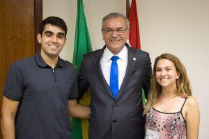 Alunos são recepcionados pelo deputado Silvio Dreveck na vice-presidência da Alesc